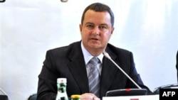 Dačić: Hadžić nije uhapšen