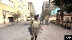 Vojnici na trgu Tahrir u Kairu