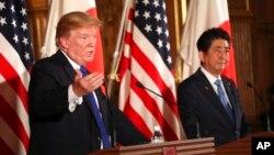 پرزیدنت ترامپ و نخست وزیر ژاپن در دیدار پاییز سال گذشته در توکیو