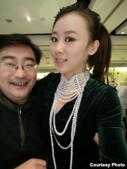 范悅給紀英男購買的珍珠項鏈(紀英男提供)