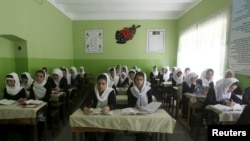 پاکستان په دې وروستیو کې د افغان کډوالو د تعلیمي نصاب په ځینو برخو اندېښنه ښودلې ده