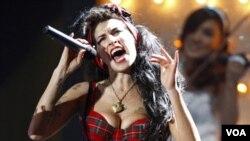 El siguiente paso será realizar unas pruebas toxicológicas para intentar encontrar la posible causa de la muerte de Winehouse.