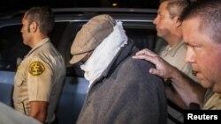 Накула Бэссли, в сопровождении полиции. 16 сентября 2012г.
