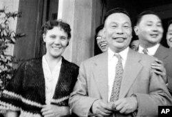 历史照片:蒋经国