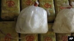태국 방콕 경찰이 불법 마약 밀매조직으로부터 압수한 메스탐페타민, 일명 필로폰을 공개했다. (자료사진)