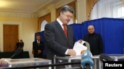 烏克蘭總統波羅申科投票