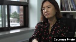 탈북민 출신 북한인권운동가 이소연 씨가 북한 여성들의 성폭력 피해에 관해 설명했다. © 2018 Human Rights Watch