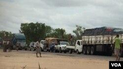 Automobilistas queixam-se de extorsão por militares no centro de Moçambique
