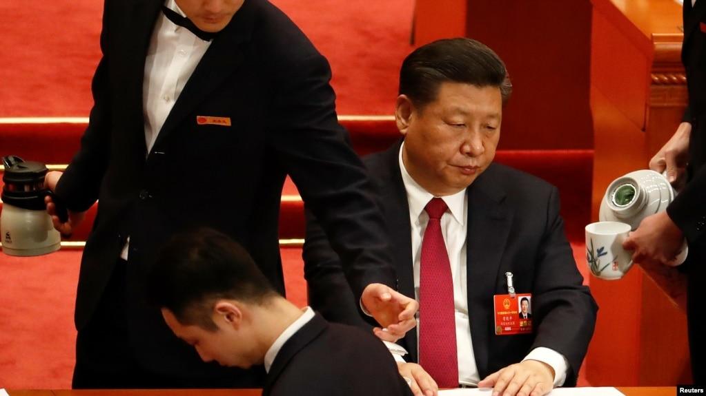 中国国家主席习近平在全国人大会议上