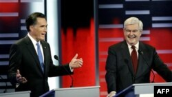 Republikanski predsednički pretendenti Mit Romni i Njut Gingrič na debati u Ajovi