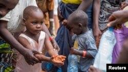 Umwana w'umuhungu yahunze uruhagarara rwa politike mu Burundi