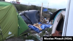 """VOA Afrique avec les migrants dans la """"jungle"""" à Calais"""