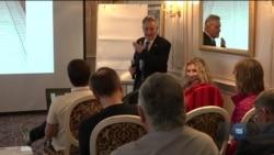 Спостерігачі від Світового конгресу українців готуються до дня виборів. Відео