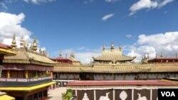 Tsuglagkhang, Lhasa