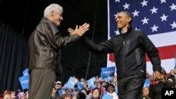 Билл Клинтон и Барак Обама. Бристоу, штат Вирджиния. 3 ноября 2012 г.