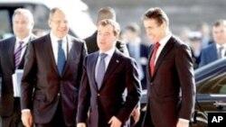 ยุโรปและรัสเซียเร่งเร้าให้วุฒิสภาสหรัฐอนุมัติสนธิสัญญาลดอาวุธนิวเคลียร์