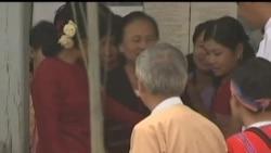 2012-04-22 美國之音視頻新聞: 緬甸民主黨派不參加國會復會