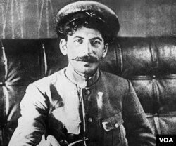 Cuqaşvili rəhbər işçi kimi ilk təcrübəsini vətəndaş müharibəsi zamanı ezam olunduğu Tsaritsın (Stalinqrad/Volqoqrad) şəhərində qazandı. 1918.