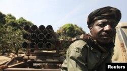 Un soldat tchadien de la FOMAC ̂à Damara
