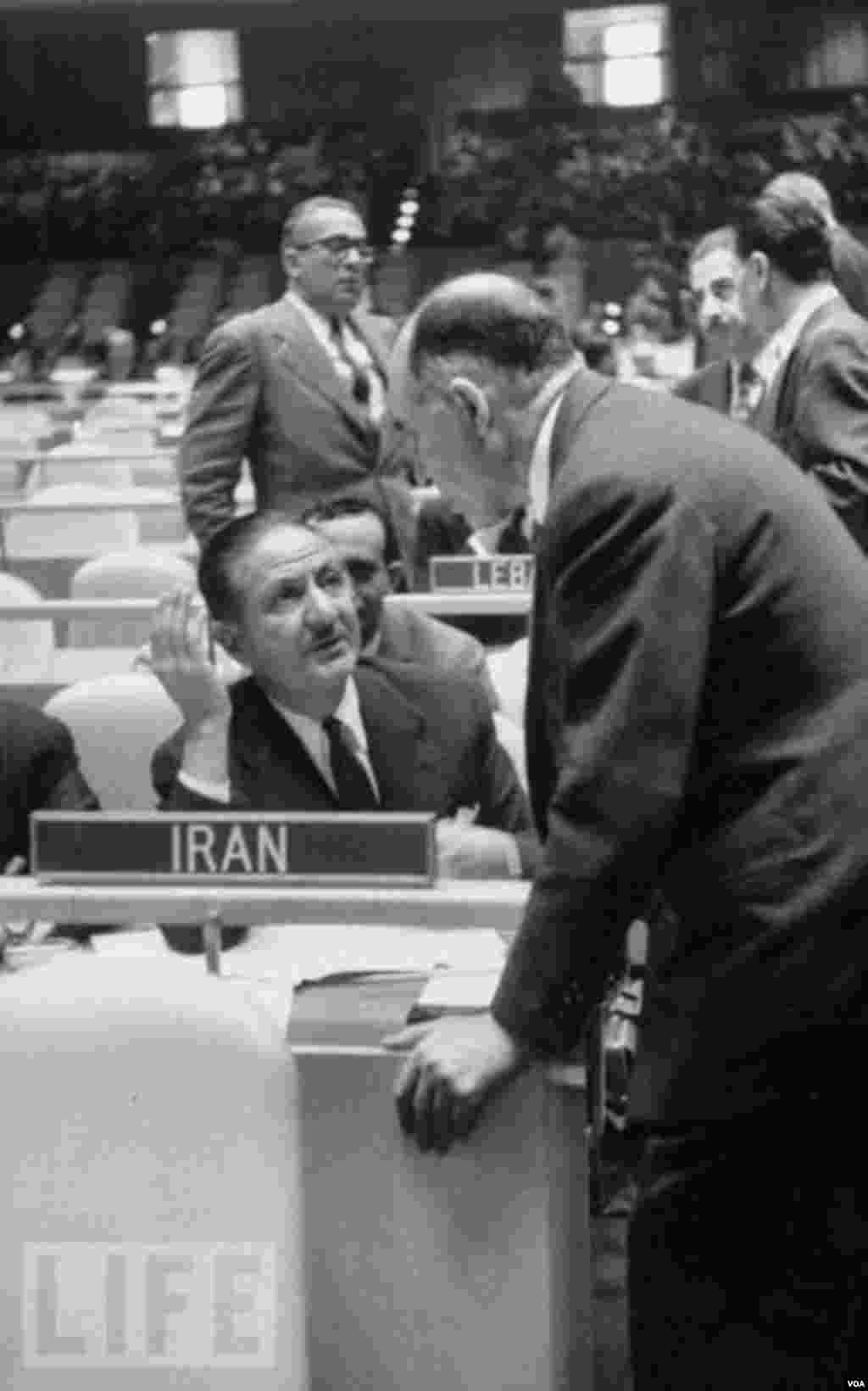 نصرالله انتظام در گفت و گو با نماینده اسرائیل در مجمع عمومی سازمان ملل متحد