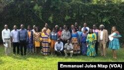 Les participants à la concertation sur la lutte contre la déforestation au Cameroun à Yaoundé, le 2 octobre 2020 (VOA/Emmanuel Jules Ntap)