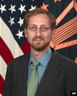 美国国防部主管东亚事务的副助理部长薛迈龙