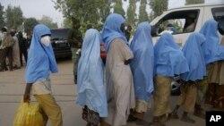 Écolières libérées: les autorités nient avoir payé une rançon