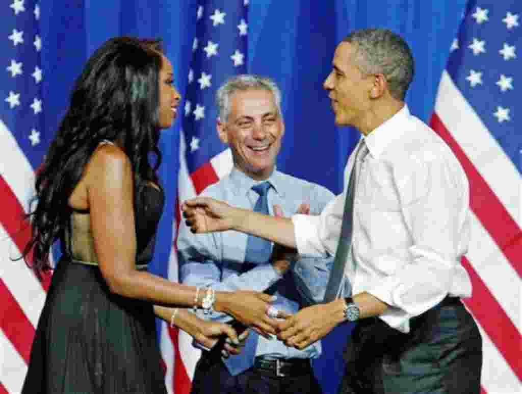 Obama fue senador por el estado de Illinois desde el 3 de enero de 2005 hasta su renuncia el 16 de noviembre de 2008.