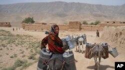 افغان حکومت وايي په ملک کې یې وچکالي راغلې