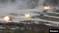 این رزمایش با حضور بیش از شصت هزار نیروی آمریکا و کره جنوبی برگزار شده است.