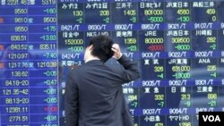 Indeks saham Nikkei di Tokyo turun 2,5 persen dalam perdagangan hari Jumat (19/8).