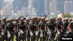 中國駐港軍隊2019年6月30日在香港昂船洲海軍基地舉行軍事表演。