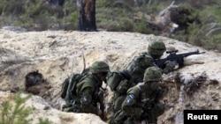 Естонські солдати беруть участь у навчаннях військ НАТО