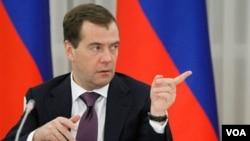 Presiden Dmitry Medvedev: Rusia harus siap untuk menanggapi sistim pertahanan misil AS di Eropa.