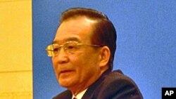 """中國總理溫家寶在不久前結束的""""兩會""""后舉行記者會"""