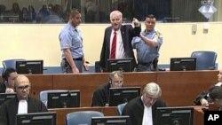 Cựu chỉ huy Ratko Mladic la hét tại Tòa án LHQ ngày 22/11/2017.