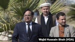 آسیہ بی بی کے وکیل سیف الملوک سماعت کے لیے سپریم کورٹ آ رہے ہیں۔ سیف الملوک گزشتہ ہفتے ہی اپنی خود ساختہ جلاوطنی ختم کرکے پاکستان پہنچے تھے۔