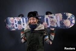 2018 평창동계올림픽에 스노도드 종목 미국 대표로 참가한 클로이 김 선수. 한국계 재미 교포로 이번 대회 금메달 주자로 주목받고 있다.