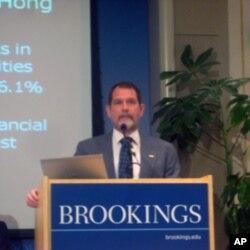 美国国会研究服务部亚洲事务专家迈克尔.马丁