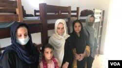 یہ خواتین فٹبالرز اور ان کے اہلِ خانہ طورخم کے راستے بدھ کو پاکستان پہنچے۔