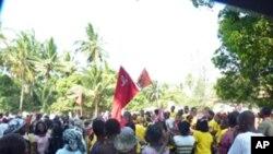 Comício da Frelimo, durante a campanha eleitoral para a presidência da Câmara de Inhambane