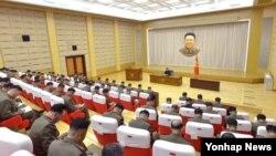 북한이 김정은 국방위원회 제1위원장이 주재하는 노동당 중앙군사위원회 확대회의를 개최했다고 조선중앙통신이 27일 보도했다.