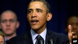 奧巴馬2月19日在白宮的一次講話中談到分段強行減赤問題