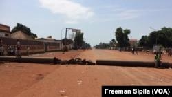A Bangui, les rues sont vides, le 24 octobre 2016. (VOA/Freeman Sipila)