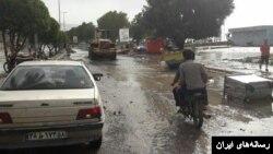 آب دریا وارد خیابان های شهرهای ساحلی بوشهر شده است.