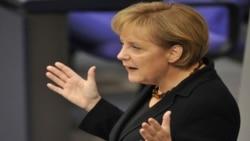 صدر اعظم آلمان می گوید مبارزه با آثار بحران اقتصادی در راس برنامه های دولت او قرار دارد