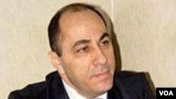 Tibb elmləri doktoru Adil Qeybulla