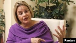 """""""Los Estados Unidos no puede continuar ignorando esta seria situación mientras nuestros enemigos buscan dañar nuestros intereses en el Hemisferio Occidental,"""" dijo la representante Ileana Ros-Lehtinen."""