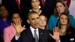 奧巴馬總統2013年10月30日在美國東部城市波士頓舉行的市鎮會議上發表有關醫保法的事宜。