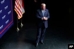 Donald Trump arrives for North Carolina speech.